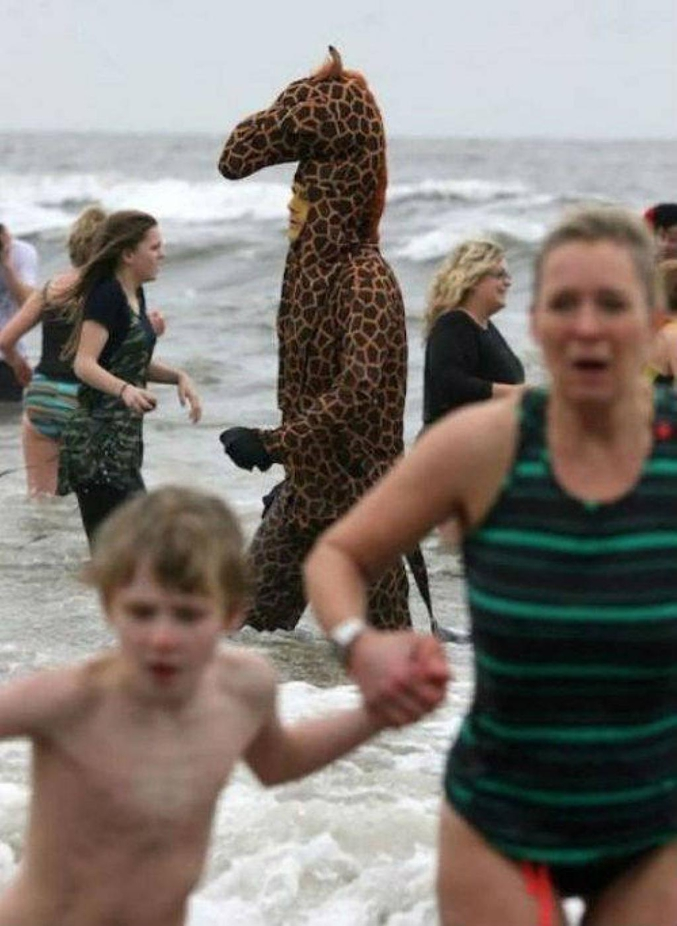 Il a pied jusqu'à la bouée?