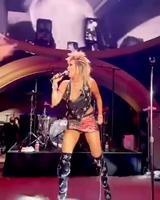 Extrait d'américan woman par Miley Cyrus le 4 juillet 2021 à Las Vegas
