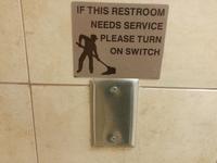 Si ces toilettes ont besoin d'être nettoyées...