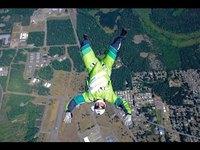 un saut de 7,5 Km sans parachute