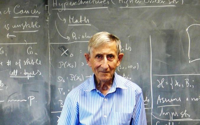 """Freeman Dyson, connu pour les """"sphères de Dyson"""" qu'il a imaginée et théorisée vient de décéder. Un article sur lui ici : https://www.futura-sciences.com/sciences/actualites/mecanique-quantique-freeman-dyson-ne-saura-jamais-si-spheres-extraterrestres-existent-79754/"""
