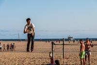 Pendant ce temps, à la plage