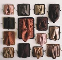 Des porte-monnaie de dames...