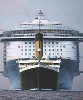 Tailles comparées entre le Titanic et un gros bateau de croisière aujourd'hui