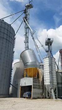 Effondrement d'un silo de maïs