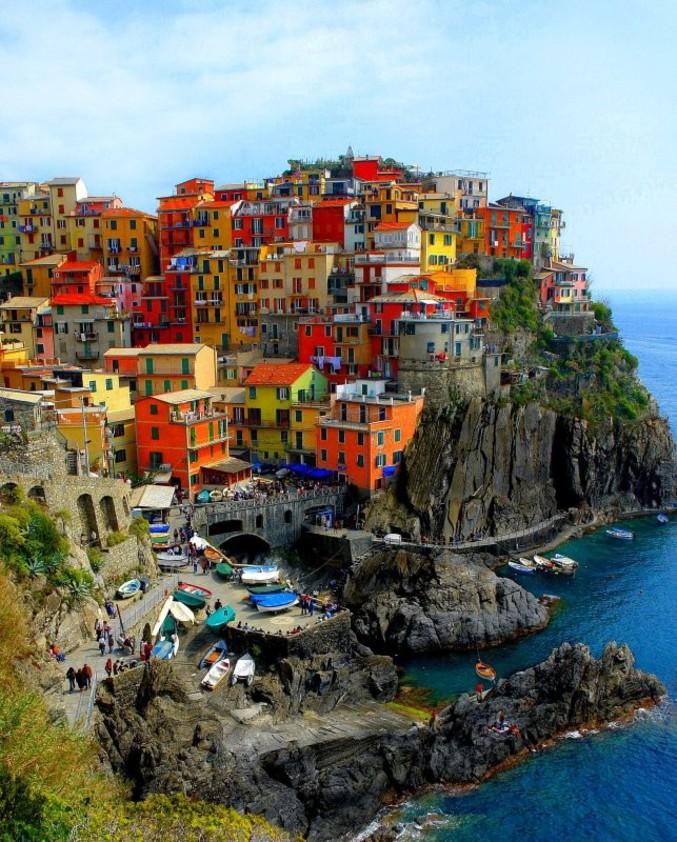 Un village d'Italie tout en couleur.