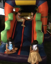 Les enfants jouent en 2017