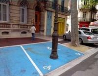 Place handicapée en ville