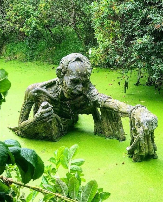 "Au ""Victor's Way Indian Sculpture Park"" en Irlande."