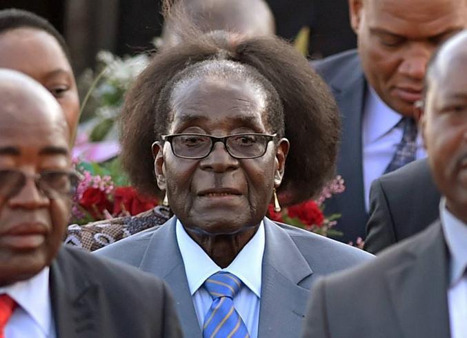 Mugabe a trop la classe! Trop choupi ces petites boucles d'oreille! [merci Ildran]