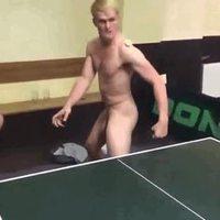 Qui est chaud pour un petit ping-pong ?
