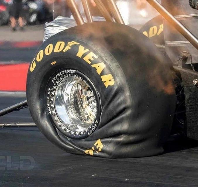 Sur une roue de formule 1 au démarrage. Ou sur une roue de dragster plutôt... (édit)