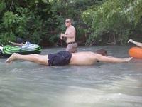 Jésus apprend à nager