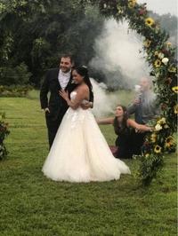 Tous les fumeurs sont demandés pour la photo des mariés