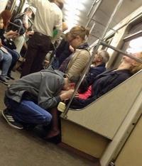 Pour passer le temps dans le metro