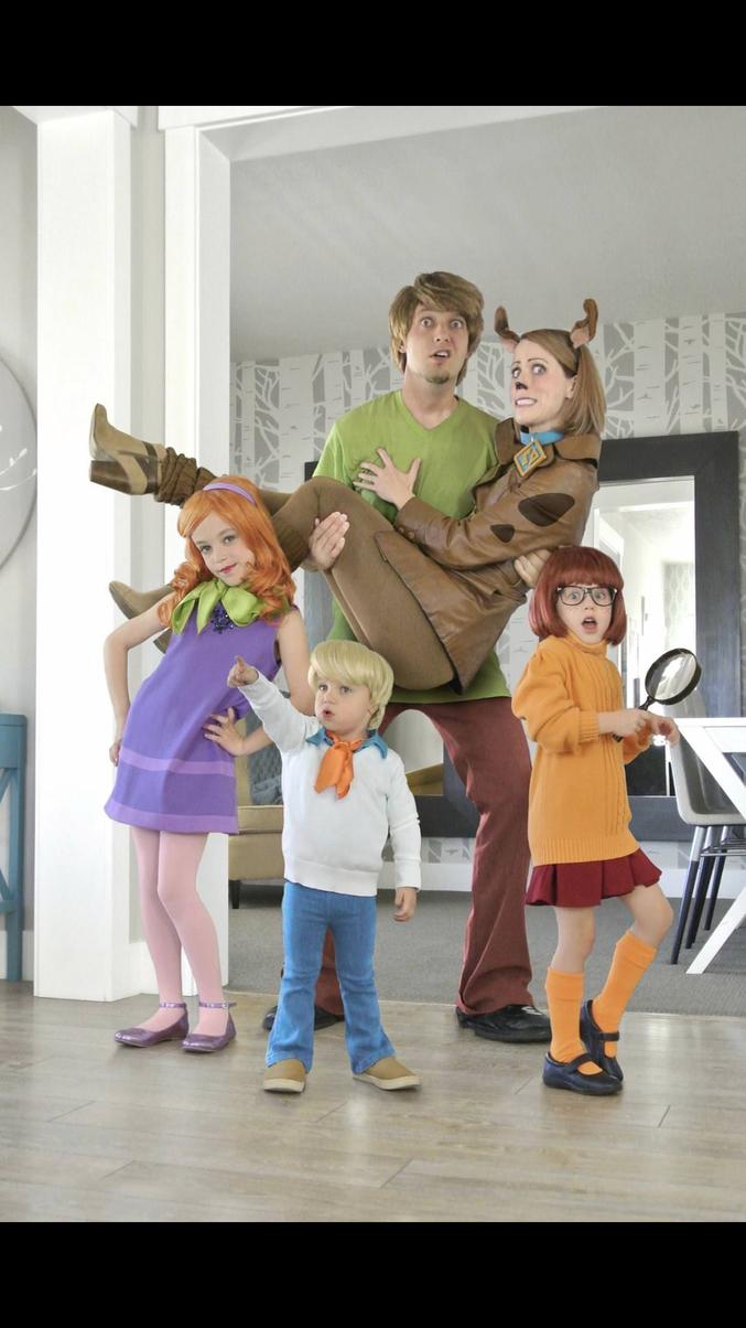 Je me suis toujours dit qu'il y avait un truc pas net entre Scooby et Sammy...