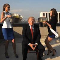 Août 2014: Trump participe au ice bucket challenge