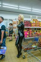 Dans la queue, au supermarché...