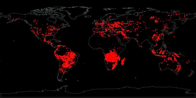 """Cette carte recense les incendies qui ont eu lieu le 24 août 2019 dans le monde. Elle a été réalisée grâce au programme EOSDIS (https://worldview.earthdata.nasa.gov/), qui donne accès à une impressionnante quantité de données satellite de la NASA. J'ai ici utilisé les filtres """"Fires and Thermal Anomalies"""". Certains points rouges traduisent des anomalies thermiques ; il s'agit notamment du lac de lave du mont Erebus, en Antarctique, ou encore des nombreux puits de pétrole au Moyen-Orient. Mais les feux de forêts constituent de très loin la majorité des événements répertoriés. On constate que nombre d'entre eux se concentrent dans les forêts tropicales du Brésil, du bassin du Congo et d'Indonésie, qui disparaissent progressivement sous la pression des activités humaines."""