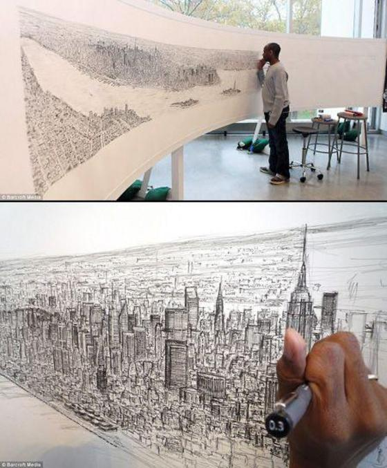 Est un Artiste britannique atteint d'autisme, il a fait le tour de New York en hélicoptère puis il a dessiner la ville de mémoire .