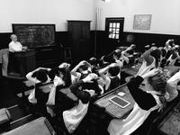 4 Décembre 1882, une classe anglaise a été punie!