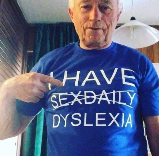 C'est peut-être un dyslexique...