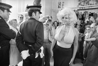 Il y a quelques années : deux CRS au Festival de Cannes