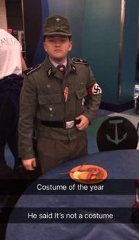 Le costume de l'année