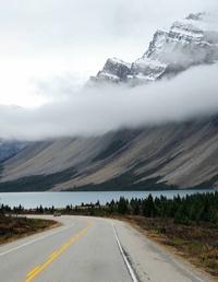 Une montagne, une route