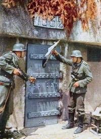 Les soldats français d'un blockhaus de la ligne Maginot se rendent
