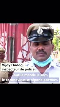 Technique de communication de la police indienne pour lutter contre le coronavirus..