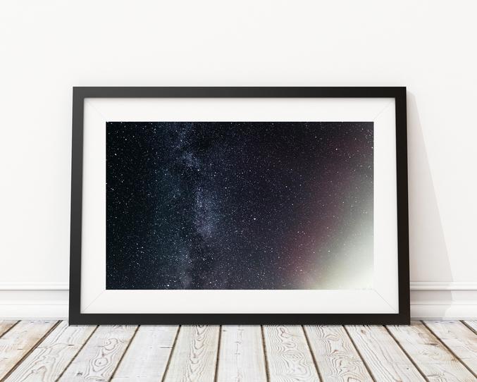 Yensa déco. C'est quoi ? A.Yensa est un photographe qui propose de vendre des tableaux en vente éphémère en France. Les séries sont limitées à 50 tirages uniquement. Si vous désirez obtenir un des fameux tableaux, il faut faire assez vite pour s'en procurer ! => Le lien ici : www.yensa.fr