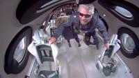 Richard Branson et des dindes dans l'espace
