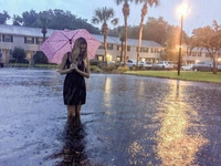 elle as bien fait de prendre son parapluie