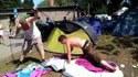 Tenter de monter sa tente