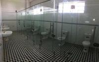 Toilettes pour personnes non pudiques
