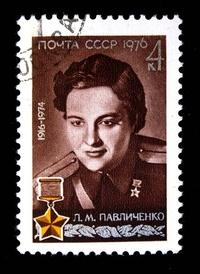 Lioudmila Mikhaïlovna Pavlitchenko : Snipeuse russe, 309 tués dont 36 snipers