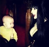 Et c'est depuis ce jour que bébé a toujours aimé Halloween