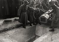 Ici repose un soldat français mort pour la Patrie — 1914 - 1918