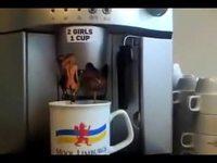2 girls 1 coffee
