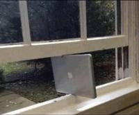 Apparemment, Mac supporte Windows en ce moment !
