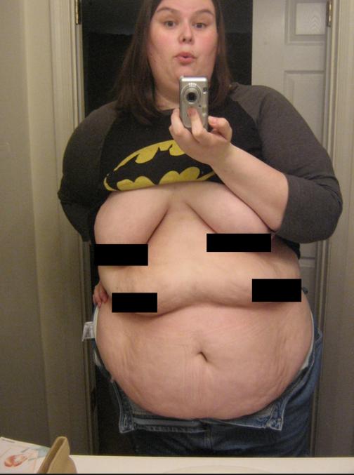 Batwoman se transforme en CatWoman !! Tétonifiant !!