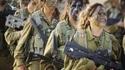 Soldats de l'armée israélienne à l'exercice, maquillage de camouflage inclus