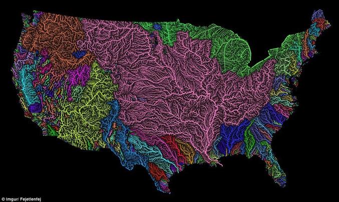 La carte montre les bassins fluviaux des Etats Unis métropolitaines (48 états) et la très nette dominance des bassins du Mississippi, du Missouri et de la Rivière Arkansas. D'autres bassins versants sont aussi nettement visibles tels que le Pacific Northwest, le Colorado supérieur ou inférieur et la région des Grands Lacs. A noter la très asymétrie entre l'est et l'ouest liée bien entendu aux cordillères occidentales. (Crédit: Fejetlenfej)