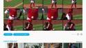 Une balle se colle au plastron d'un receveur pendant un match de baseball