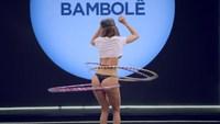 Concours de hula hoops version brésilienne