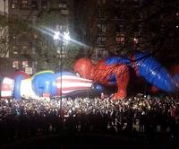 Spiderman fourre son nez où il faut pas...