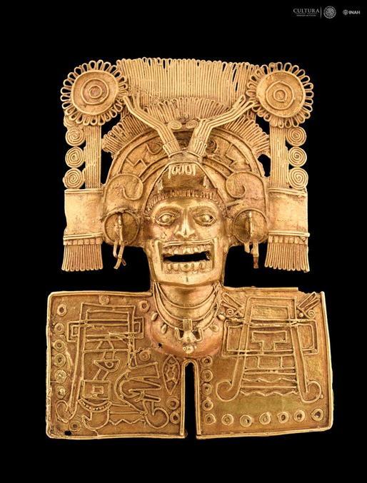 Plutôt petit (10 centimètres de côté), il représente Mictlantecuhtli, le dieu de la Mort. Réalisé aux alentours du XIVe siècle, il est exposé au Musée des cultures d'Oaxaca à Mexico.