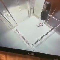 Un ascenseur trop lent