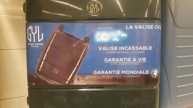 Une pub pour une valise, jusque là rien d'anormal Enfin si c'était pas la formule de la MDMA...
